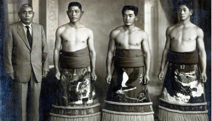 Família Taguchi em campeonato de sumô